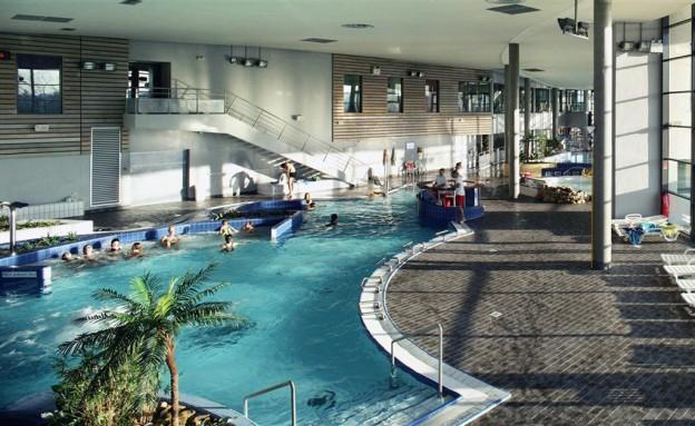 Centre aquatique du lac tours une maman tours for Piscine guerande