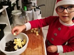 Ajouter le beurre en petit morceaux